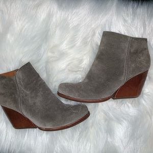 Kork-ease Natalya suede/leather ankle bootie